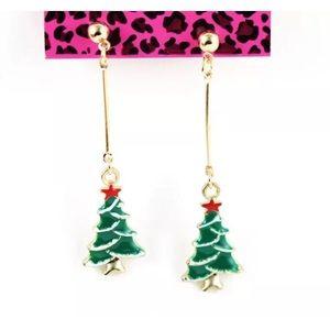 Jewelry - New Christmas Tree Earrings